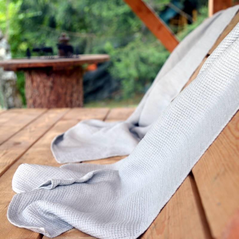Serviette en pur lin grise gaufrée