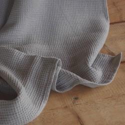 Grande serviette confortable en pur lin gris nid d'abeille