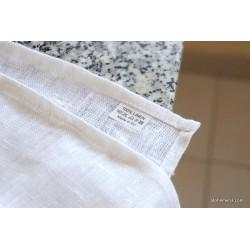 Chemin de table en pur lin blanc avec 3 plis élagants